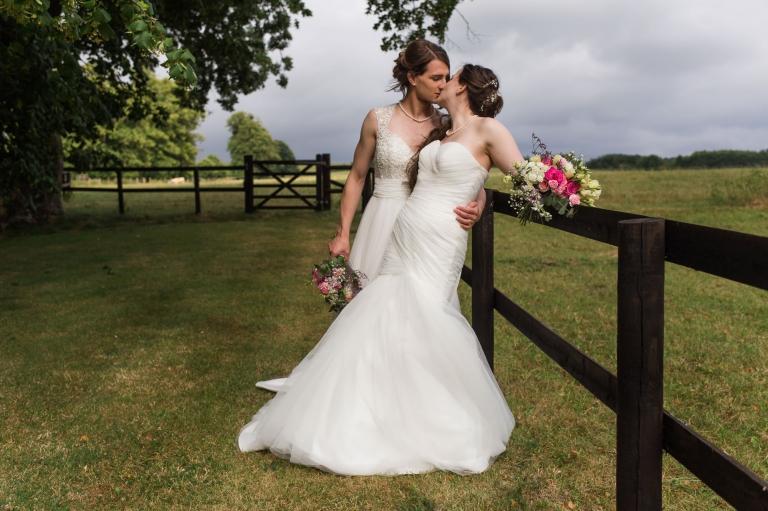 Unique Diy Summer Wedding At Barford Park Barn Wedding